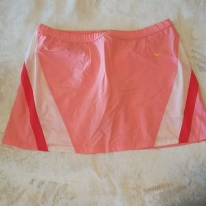 Nike skort for sports, coral, Size 12-14